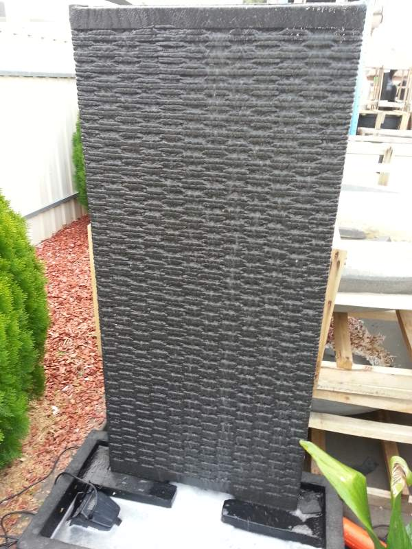 Alur Double Line Wall Large