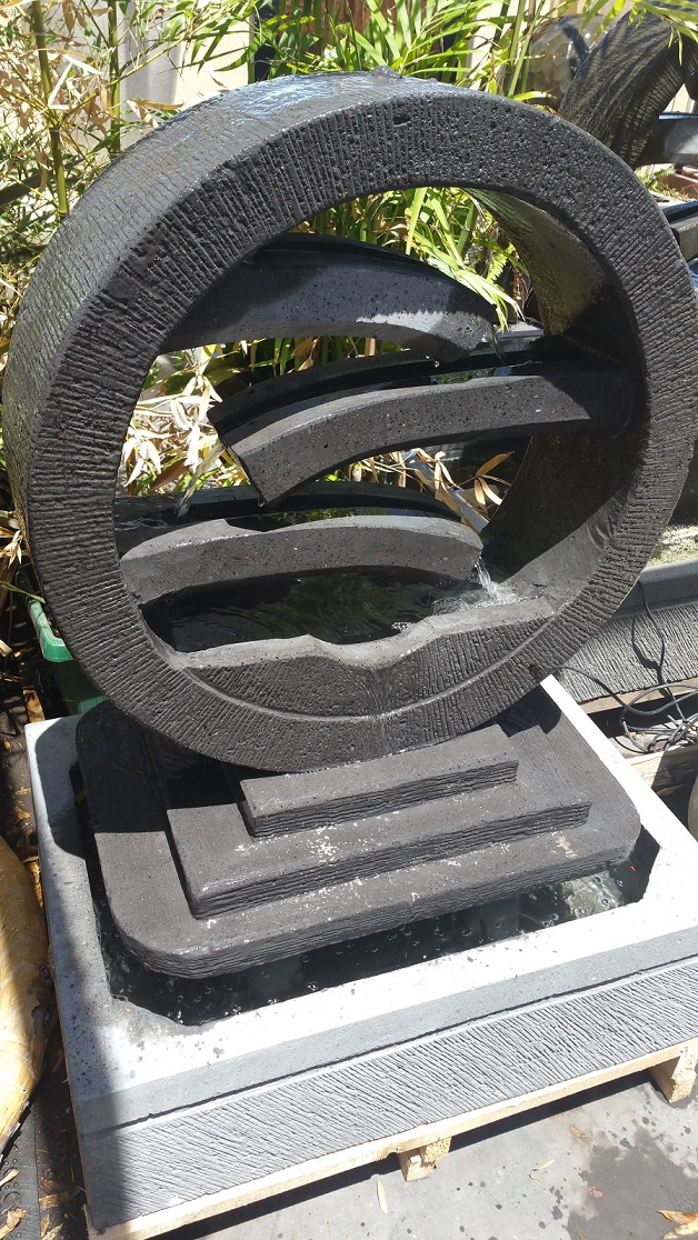 Water Wheel with Stepping Plate Small Water Feature (Concrete)