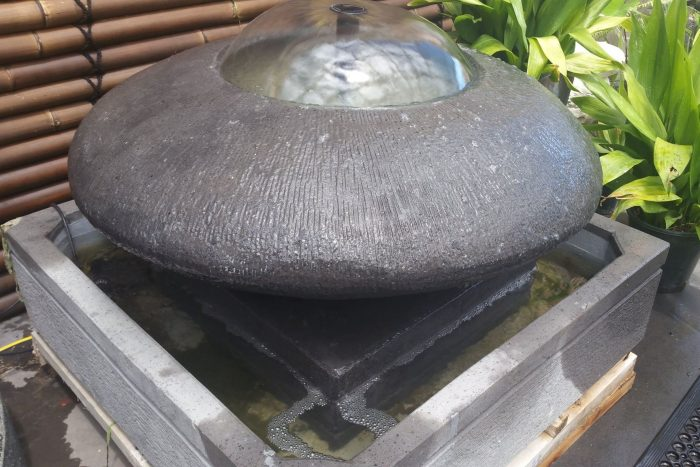 Circle on Plate Water Feature