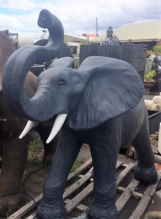 Elephant: Elephant Water Spitter (Large)