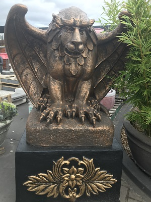 Large Gargoyle Statue (Wings Open)