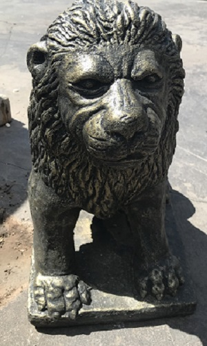 Lion Statue Sitting (Small)
